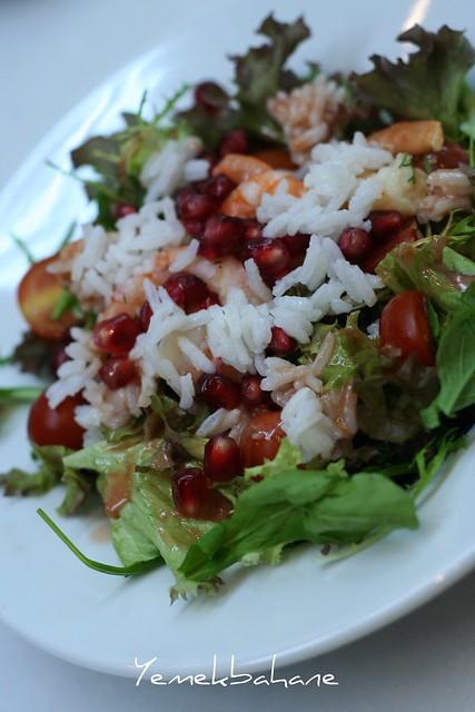 Pirinçli Karides Salatası