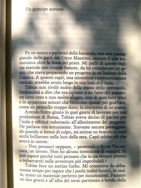 Marco Mancassola, Non saremo confusi per sempre, Einaudi 2011; Progetto grafico di Bianco, alla cop.: foto Stephen Carrol / Trevillon images; incipit (part.), 1