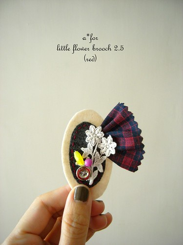 a*for...little flower brooch 2.5 (red)