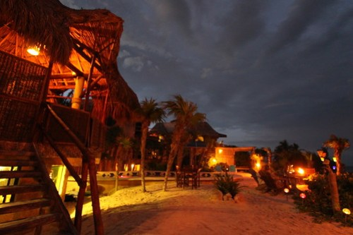 Suenos Tulum at night