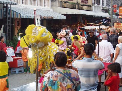 201102020266_CNY_Maenam-liondog