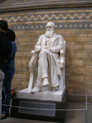 Estatua de Charles Darwin, Museo de Historia Natural, Londres