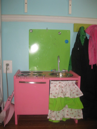 I made her a play kitchen for her bday