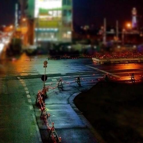 夜の交差点…なぜか、手前の道路が気になった。みんなー、今日はお疲れ様でした。 #Osaka #Abeno #night