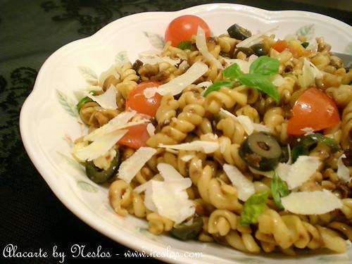Kurutulmuş Domatesli Makarna Salatası