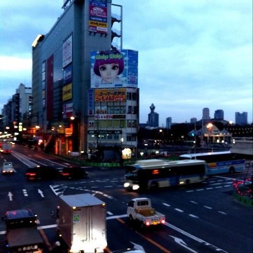 (^o^)ノ < おはよー!今朝の大阪、ちと空が重いです。今日も笑顔でがんばろ~! #Osaka