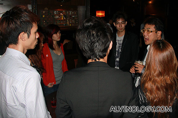 Jack Neo was very friendly and came to chat with the bloggers
