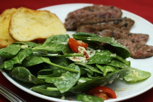 garlic vinaigrette salad with steak