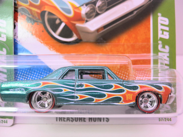 hot wheels treasure hunt '54 pontiac gto super regular (3)