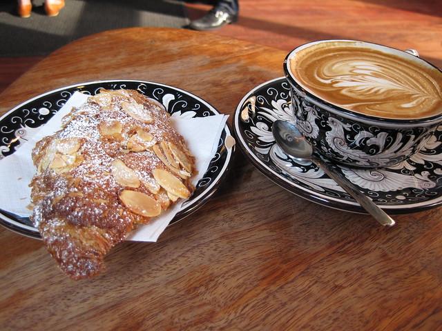 breakfast at la colombe