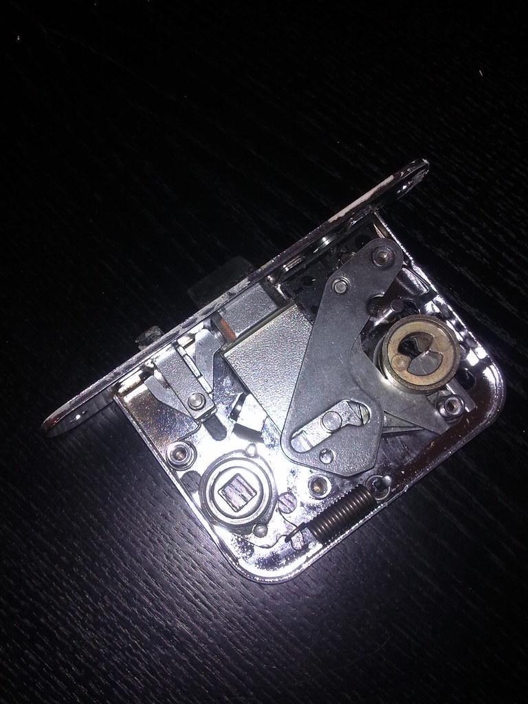 Aboy 4190 lock case opened