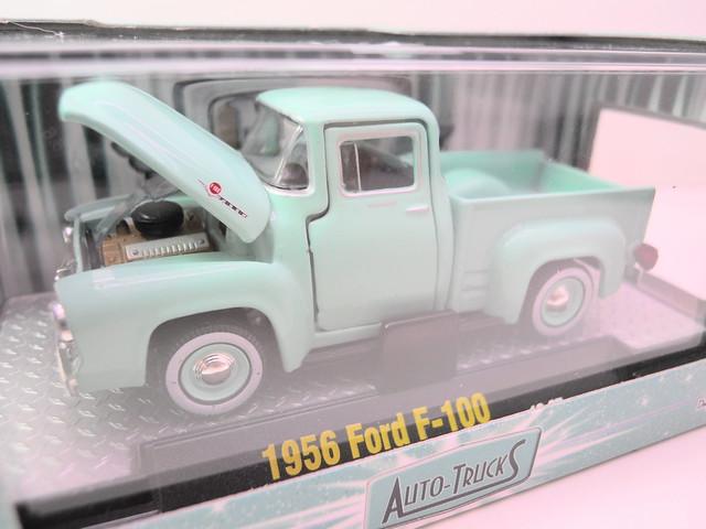 m2 auto trucks 1956 ford f-100 torquise (2)