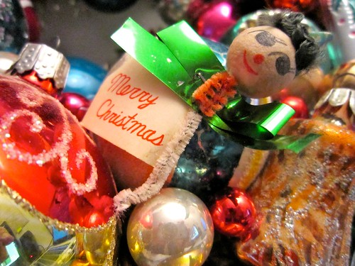 Vintage Christmas Ornament Wreath from GeorgiaPeachez Pipe Cleaner Guy