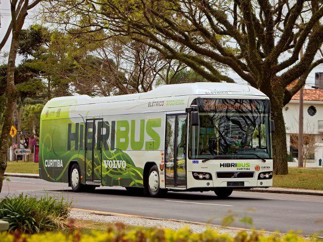 Ônibus com eletrecididade e biodiesel