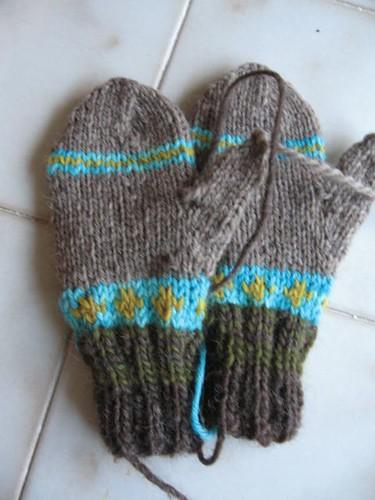 a4a stripey mittens.JPG