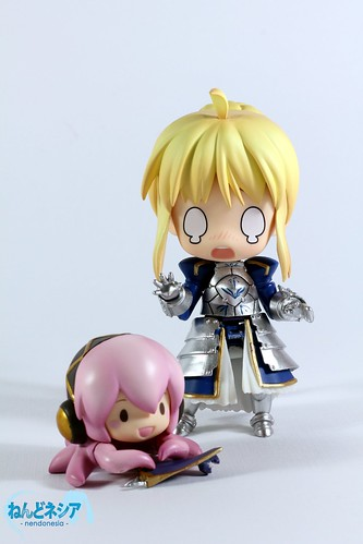 Saber: TakoLuka-chan, that is not a toy!!