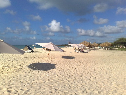Eagle Beach shade