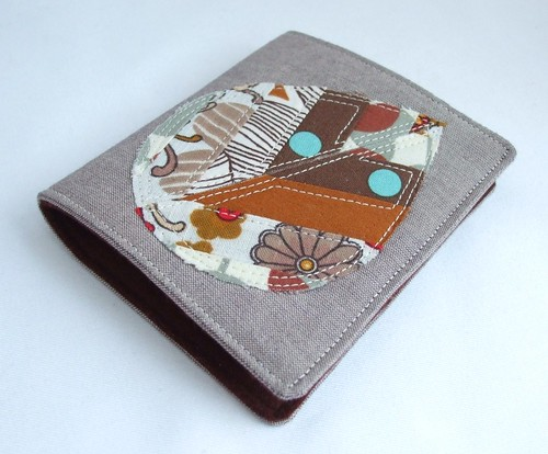 Applique leaf needle book