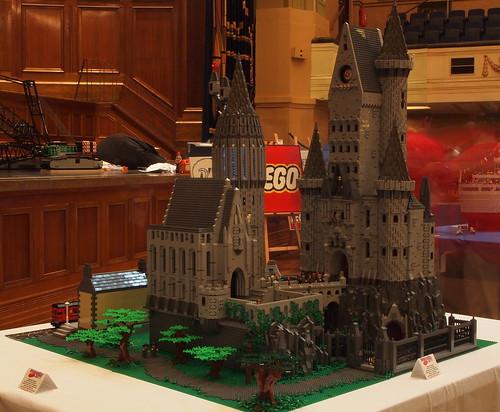 Hogwarts Castle by mr_offset Brickvention2011