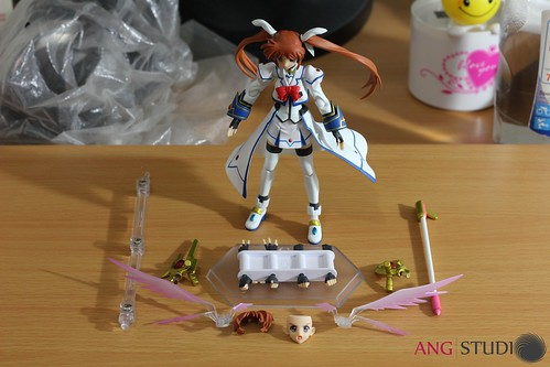 figma Takamachi Nanoha Barrier Jacket ver. - The Content