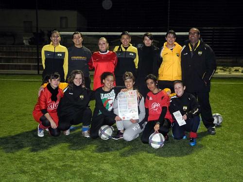 L'équipe féminine du Bas-Vernet signe la charte de bonne conduite sportive