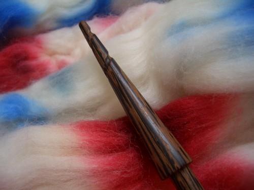 Gripping Yarn Rose in Black Palm