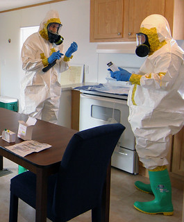 HAZMAT technicians train with National Guard a...