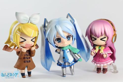 Yuki Miku-chan looks embarrased there ...
