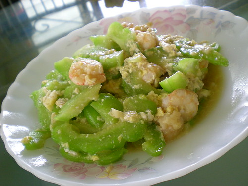 Fried bitter gourd with prawn & egg 1
