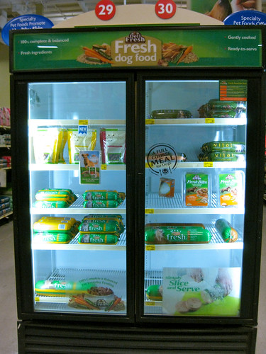 Deli Fresh/Freshpet display