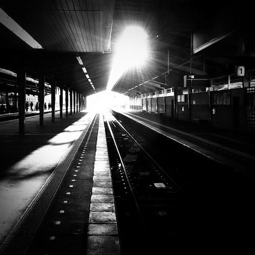 光と影。 今日も一日、お疲れ様でした。 #Tenri #sunset
