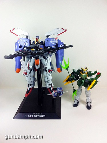 MG EX-S Gundam Custom Painted (24)