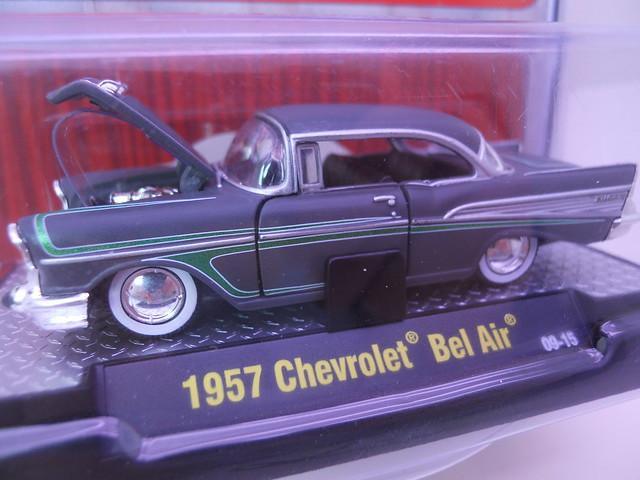 m2 machines autothentics 1957 chevy bel air grey (2)