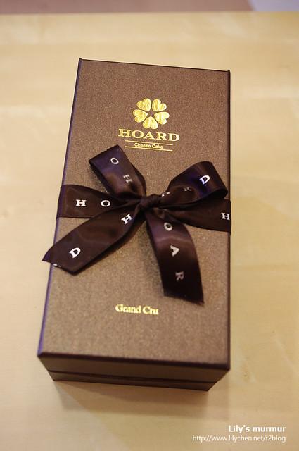 禾雅堂的「Absolute巧克力乳酪蛋糕」,包裝很漂亮!送禮很適合!