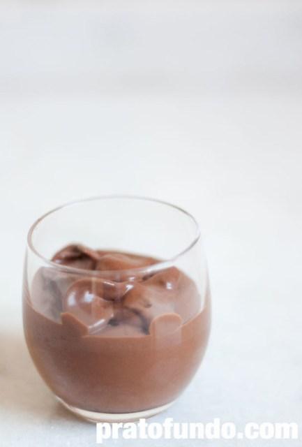 Mousse de Chocolate Mais Fácil do Mundo
