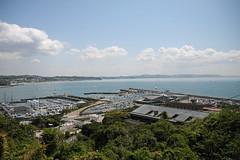 江の島めぐり―花の広場展望台から七里ヶ浜方面(Shichirigahama shore from garden, Enoshima, 2011)