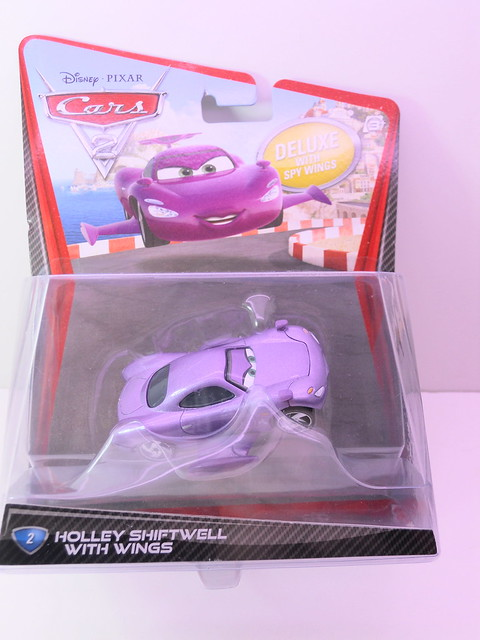 disney cars 2 holley shiftwell with wings (1)