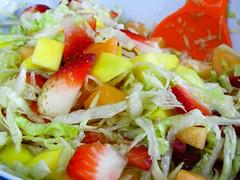 Ensalada de lechuga y frutas