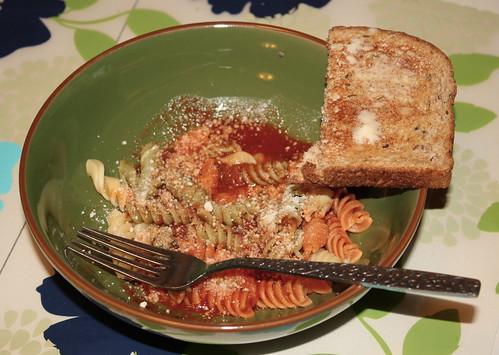 pasta, garlic bread