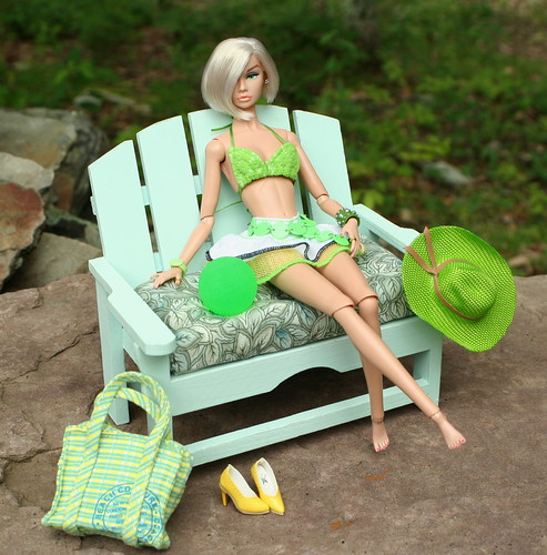 Green with Envy - Blonde Ambition Poppy