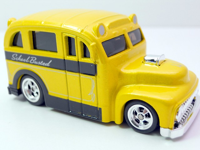 hot wheels larrys garage school busted yellow (2)