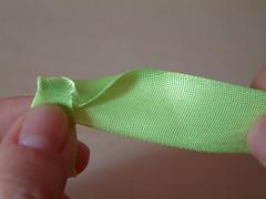 how to make ribbon roses-03