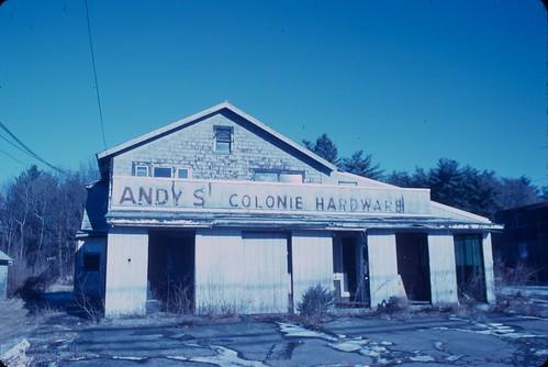 Andy's Colonie Hardware, Kodachrome 40 w/o filter