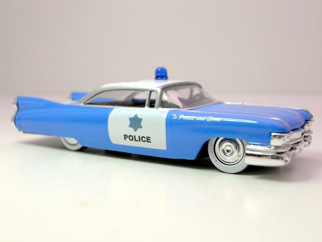 jada toys heat '59 cadillac el dorado police (2)