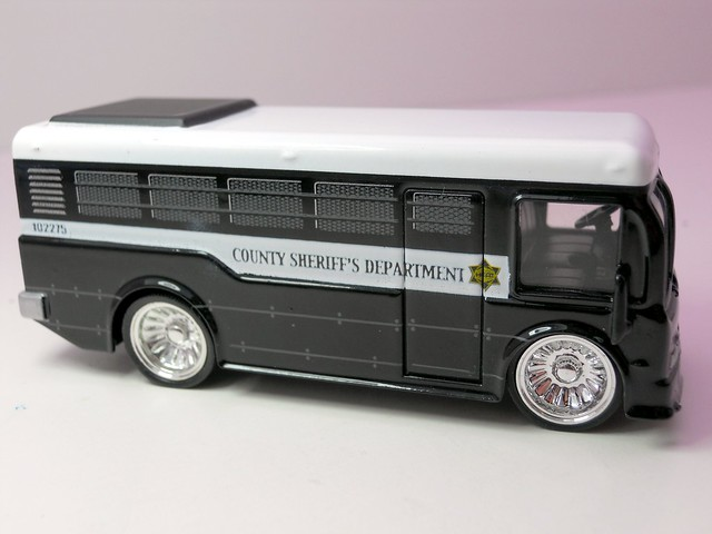 jada toys heat Sheriff city bus (3)