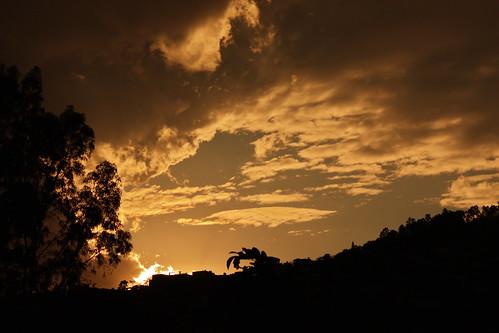 Último sol de 2010 by GabrielRendon
