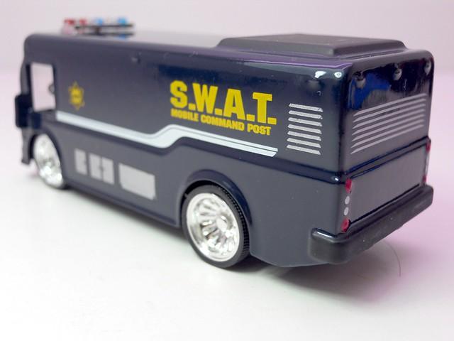 jada toys heat swat city bus 1