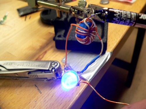 Joule Thief Working with 1.5V Battery