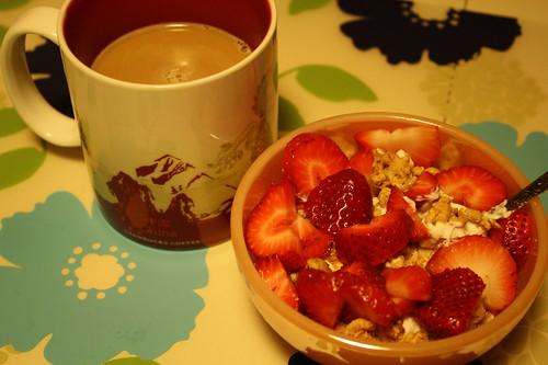 coffee, chobani with Kashi Go Crisp! Toasted Berry Crumble, strawberries