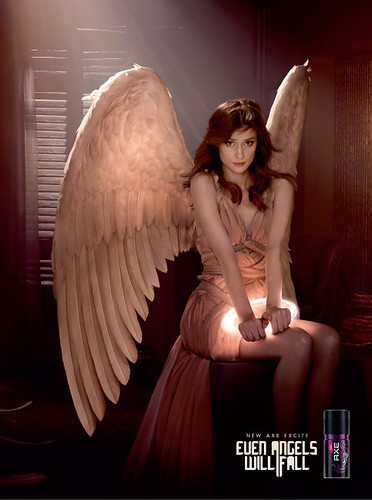 A24041_ELVIS_ANGELS_FAYE_AXE_300x222.indd by doodle_juice